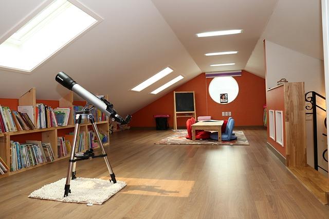 dalekohled v podkroví