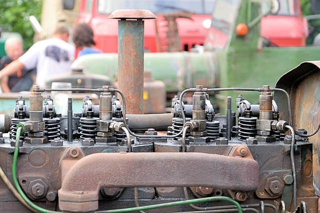motor traktoru