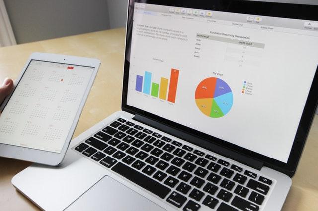počítač, tablet, analýza dat